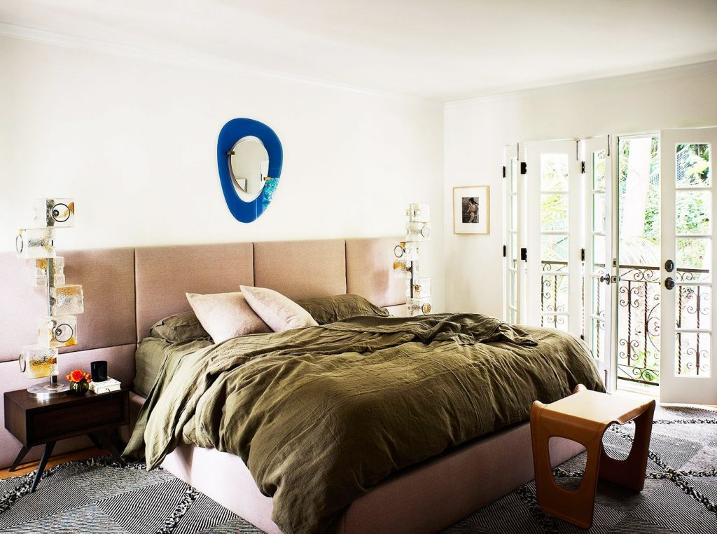 How to decorate the bedroom: styles and trends